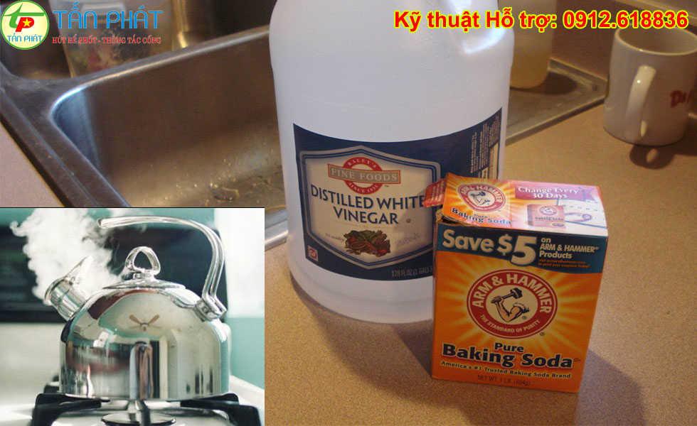 Cách thông tắc chậu rửa bát bằng baking soda