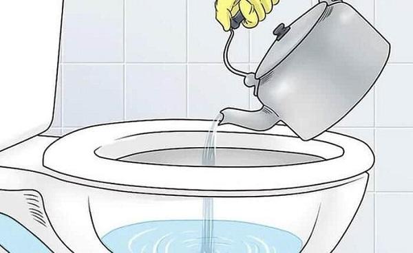 Nước sôi có tác dụng làm phân rã các chất thải, cặn bã