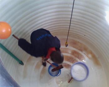 tại sao phải thau rửa bể nước ngầm