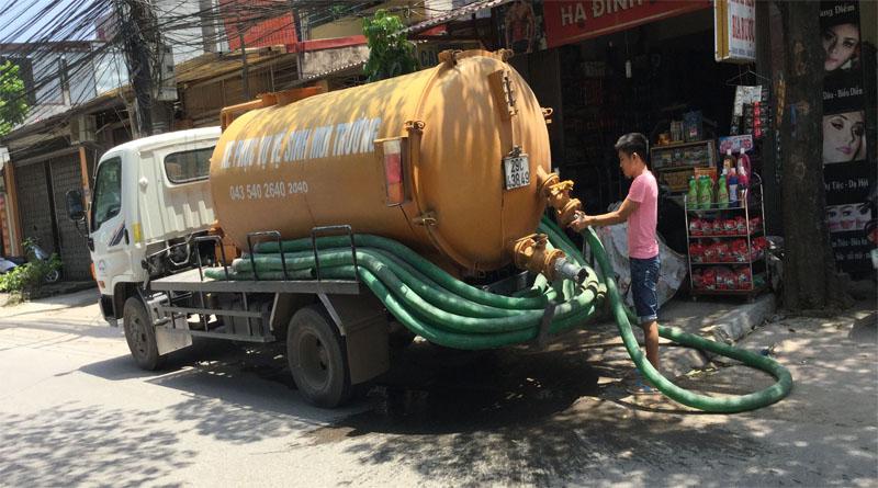 Xe hút bể phốt tại Mai dịch